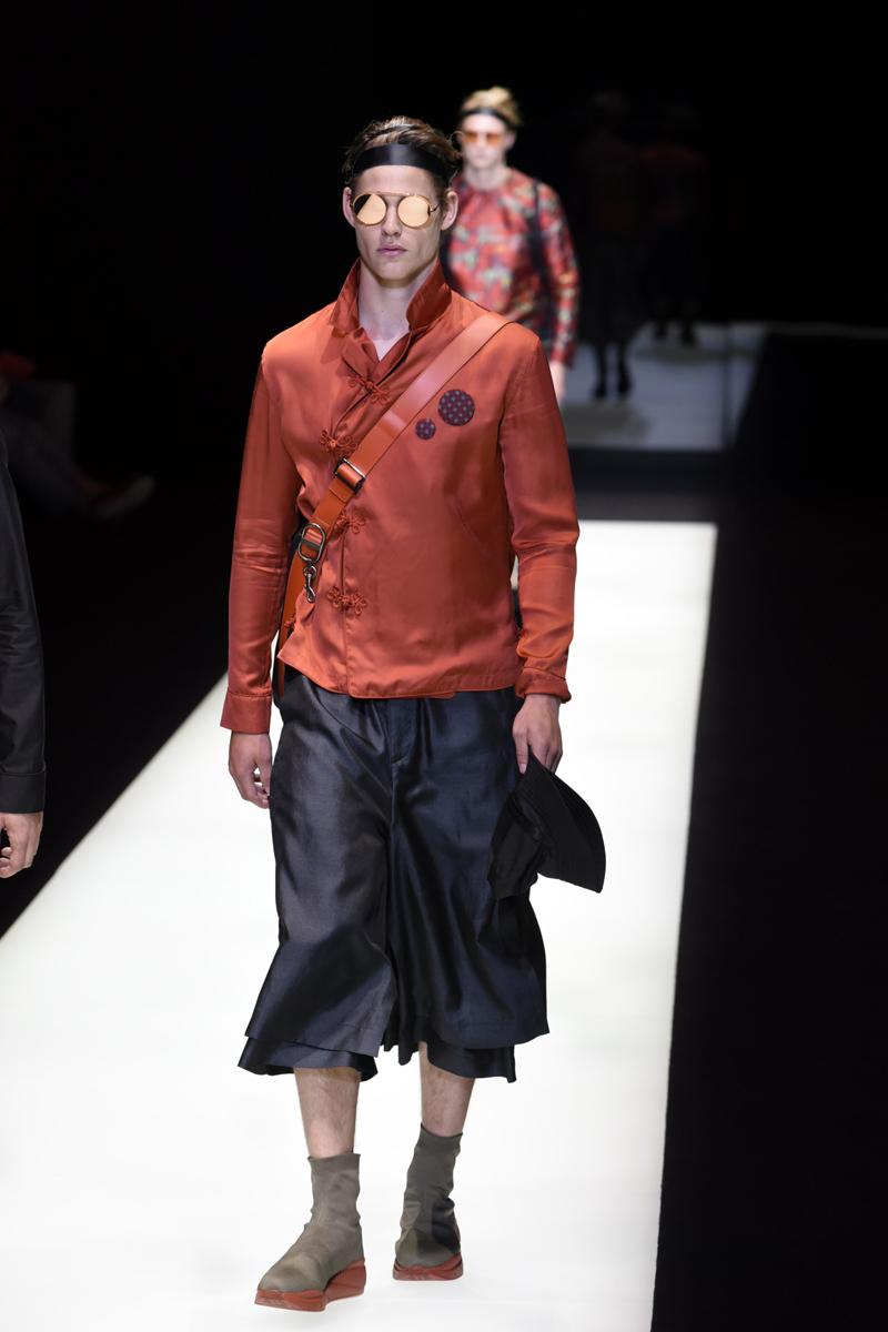Mandatory Credit: Photo by Simona Chioccia/IPA/REX/Shutterstock (8871286i) Model on the catwalk Emporio Armani show, Runway, Spring Summer 2018, Milan Fashion Week Men's, Italy - 17 Jun 2017